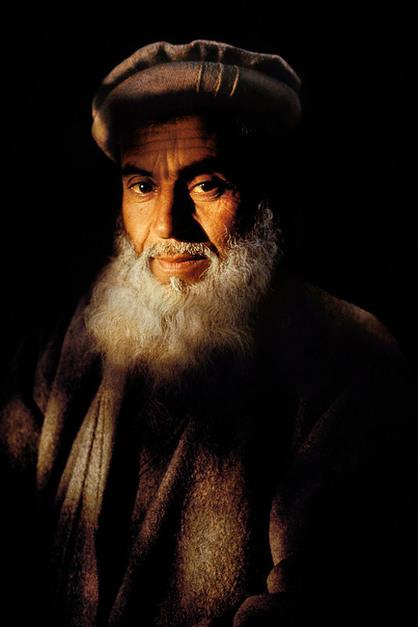 Steve McCurry,AFGHANISTAN. Jalalabad. 1992. Farmer.